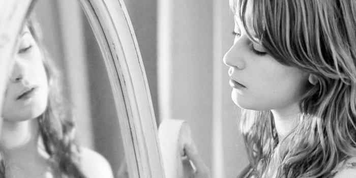 Face à votre miroir secret